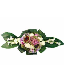 Rouwstuk met witte rozen