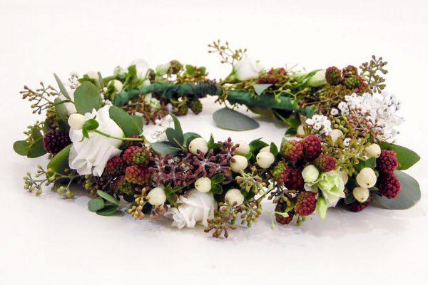 Bloemen-haarkrans-met-braambessen-FlowersRme