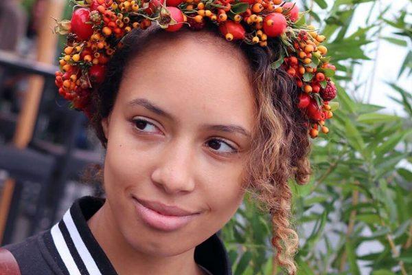Herfst-bloemen-haarkrans-1-FlowersRme