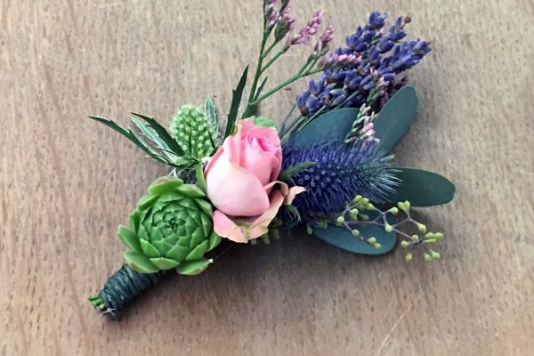 corsage-16-WOW-by-FRM